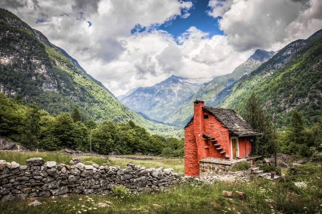 Switzerland house - small