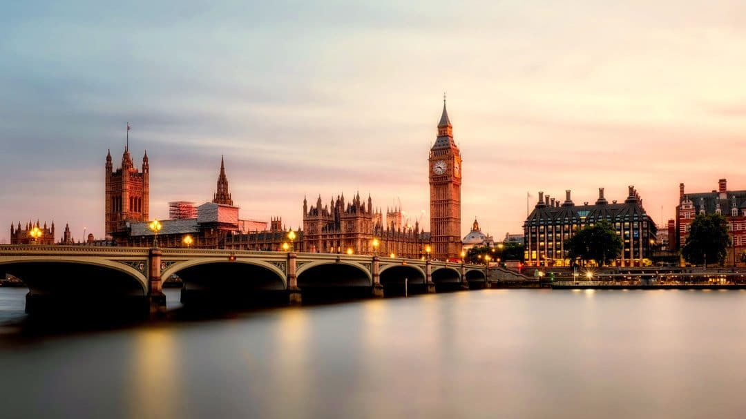 English-speaking Baby Nanny required in Wimbledon, London – GBN227