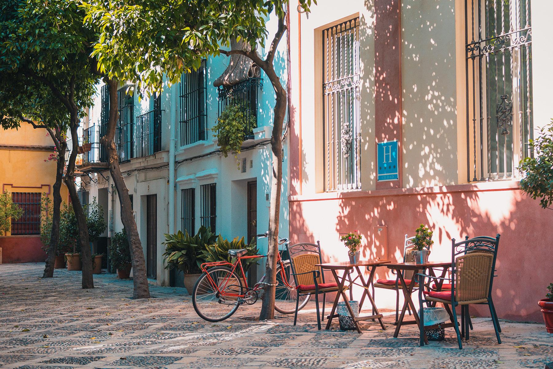 St Tropez street