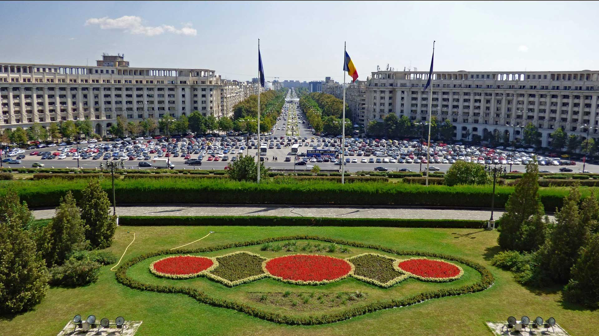 bucharest-main-square