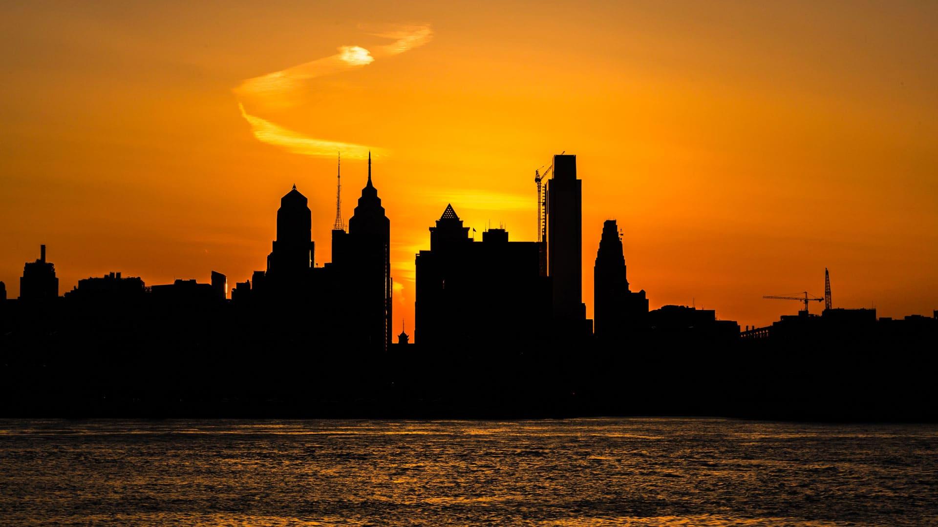 philadelphia city orange sky