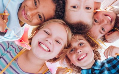 How to help your children develop positive social skills